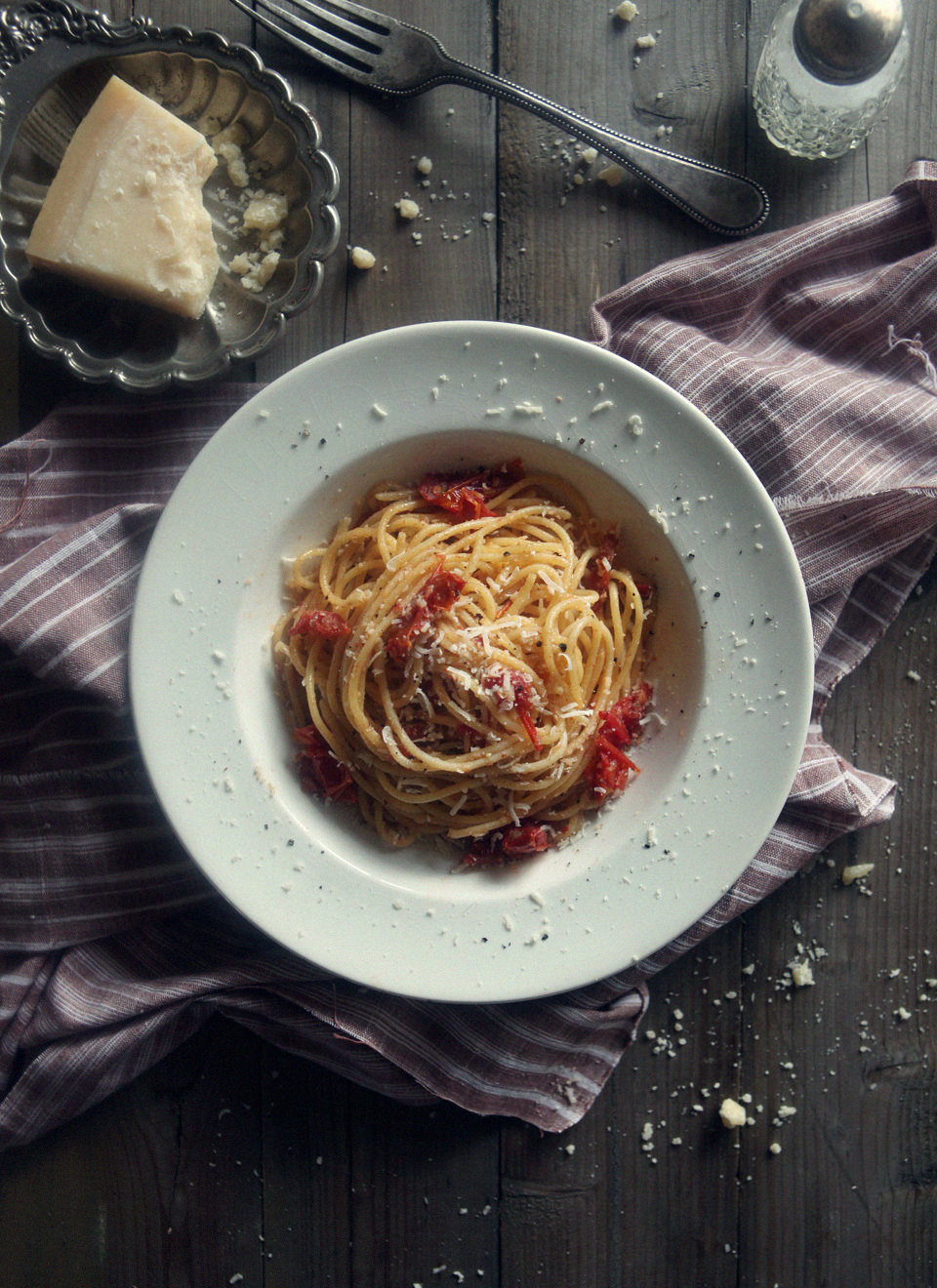 Spaghetti-with-Sun-Dried-Tomatoes-&-Anchovies-2