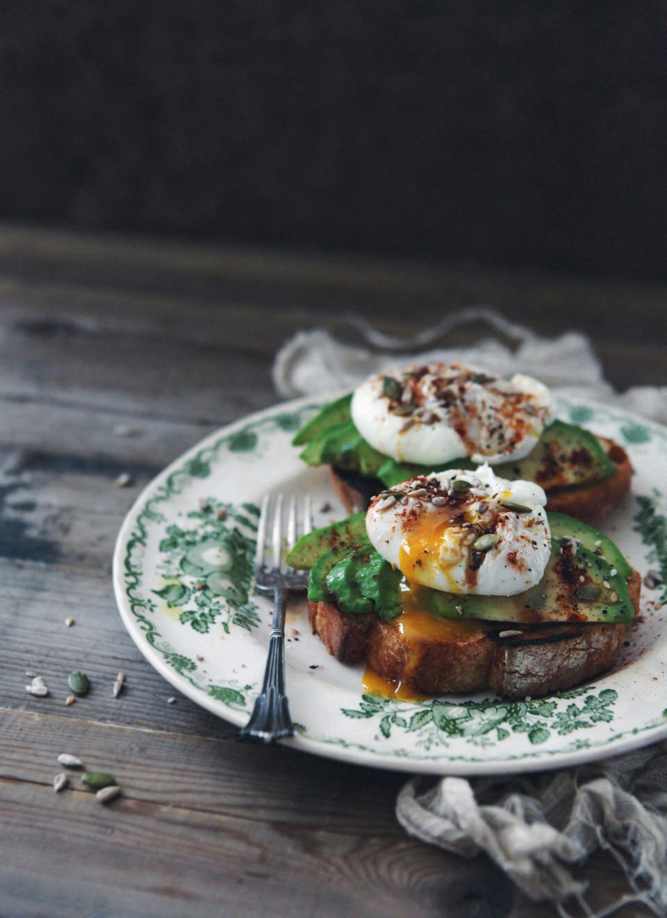 avocado-poached-egg-on-toast_2
